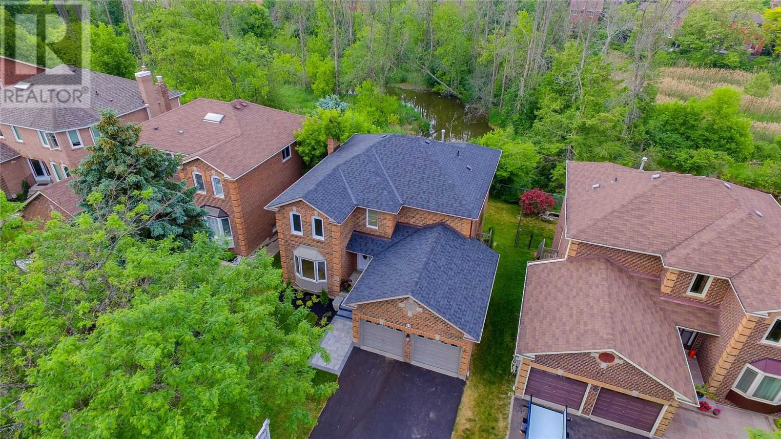 19 Mayor Cres, Ajax, Ontario  L1S 6N5 - Photo 2 - E4820049