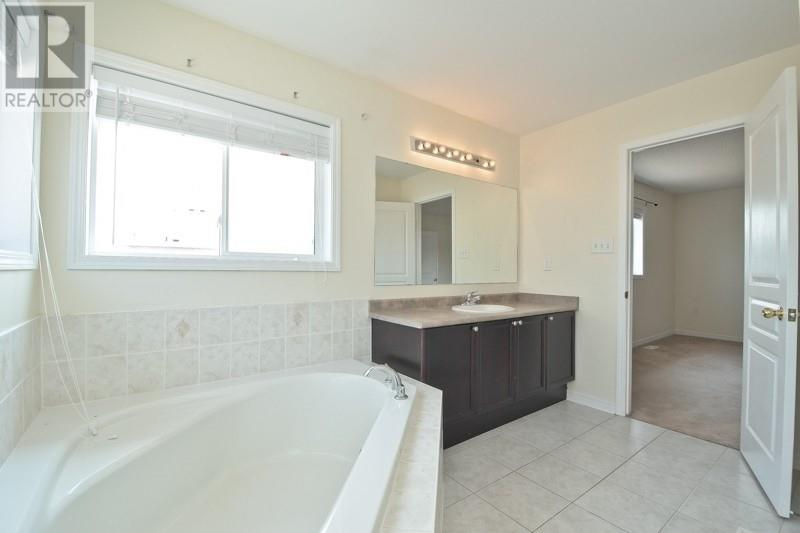 #upper -7 Kimble Ave, Clarington, Ontario  L1C 0J7 - Photo 29 - E4826911