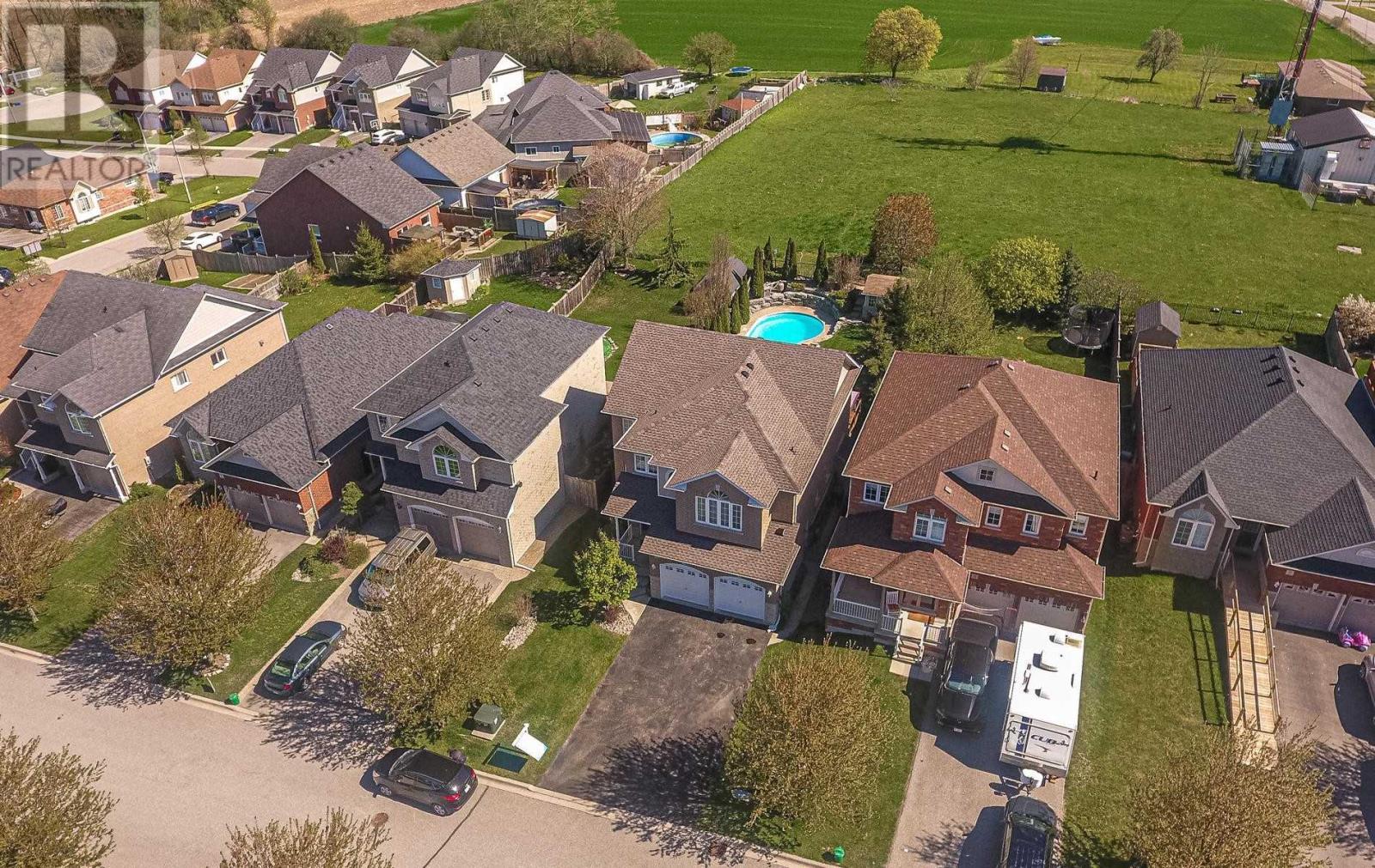 19 Dudley Crt, Clarington, Ontario  L1E 3K3 - Photo 3 - E4828313